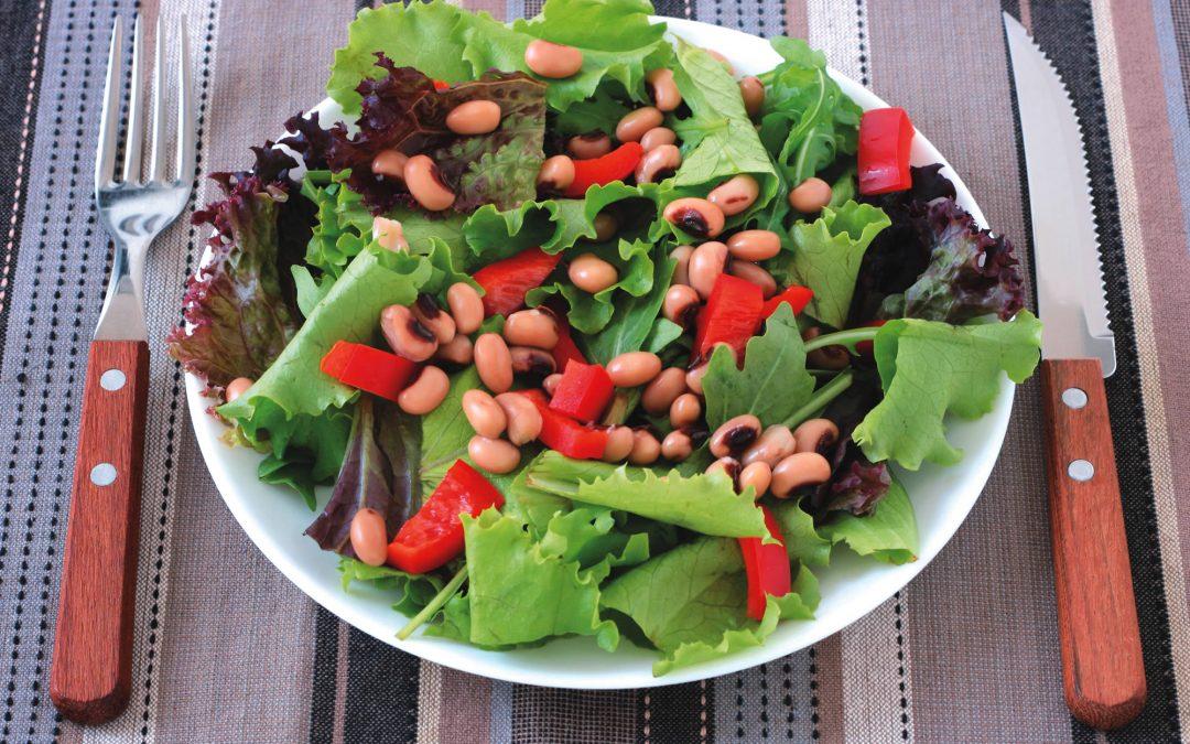 Zwarte oogbonen salade